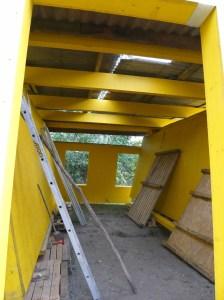Lagerraum aus gelagertem Baumaterial